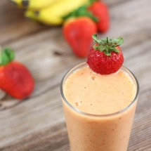 Strawberry Mango Banana Smoothie