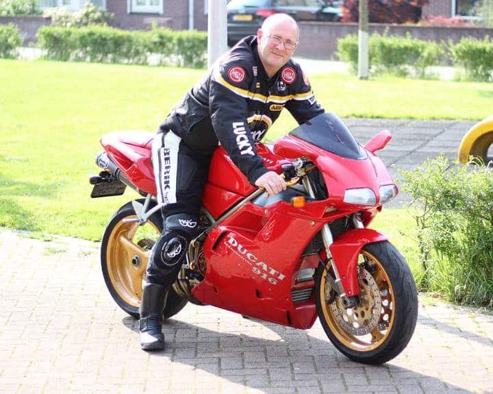 Gav's bike Ducati 916