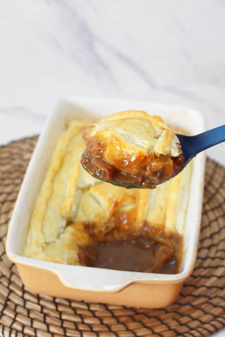 Steak and ale pie with mushrooms - delicious tender steak ...