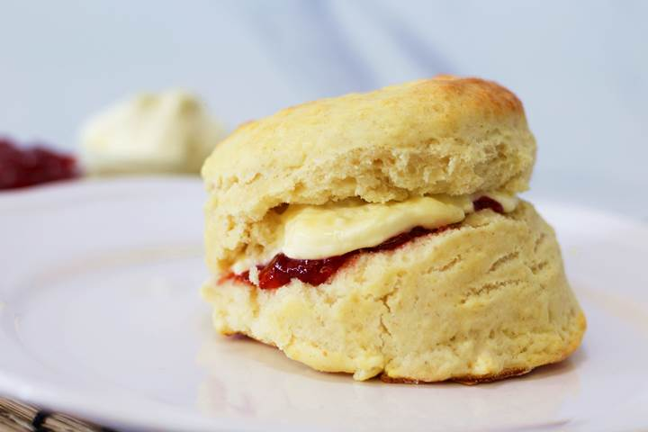 Make Your Own English Scones And Clotted Cream With This Easy Recipe