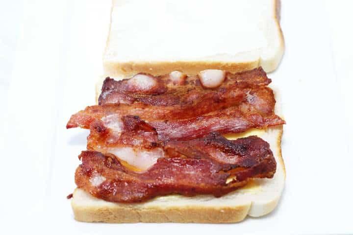 crispy bacon buttie