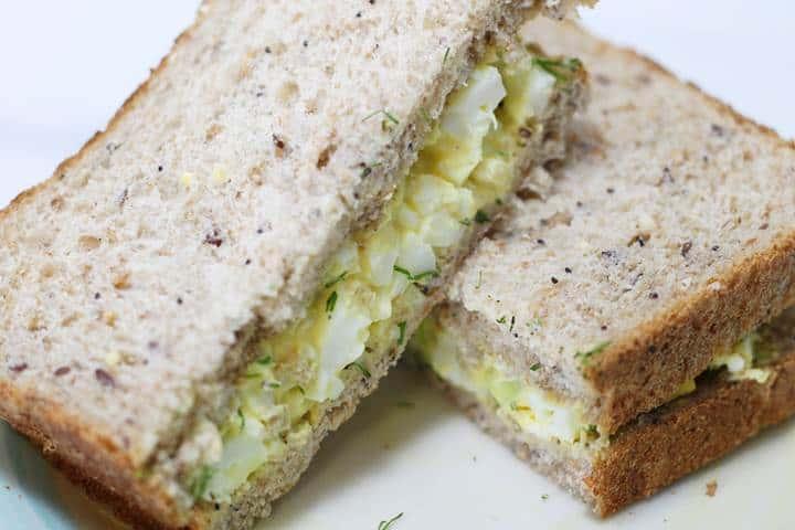 creamy egg salad sandwich