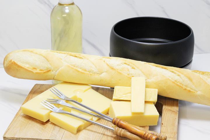 melting pot cheese fondue