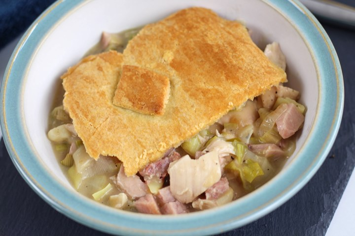 chicken, ham and leek pie
