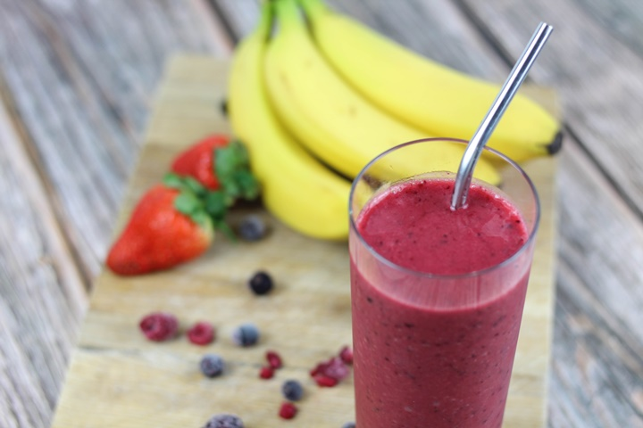 berry banana strawberry mango smoothie