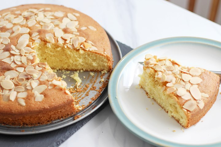 madeira slice with almond