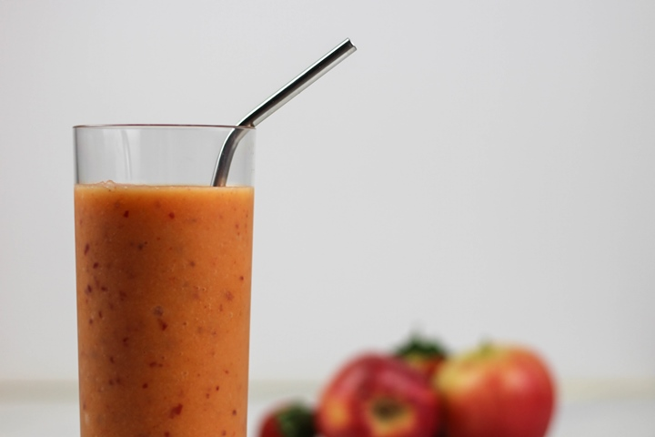 apple strawberry mango smoothie