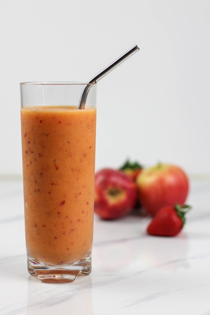 mango apple strawberry smoothie