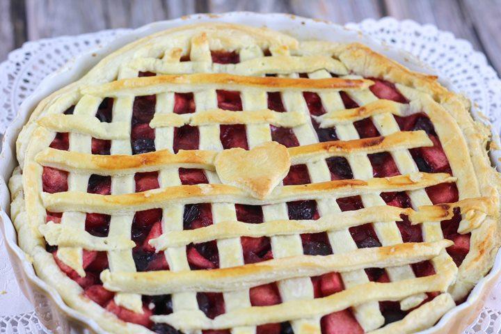 cherry apple latticed pie