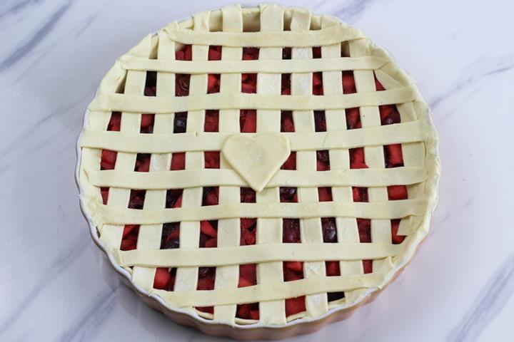 latticed pie crust