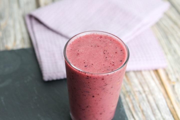 mango blueberry cherry banana smoothie