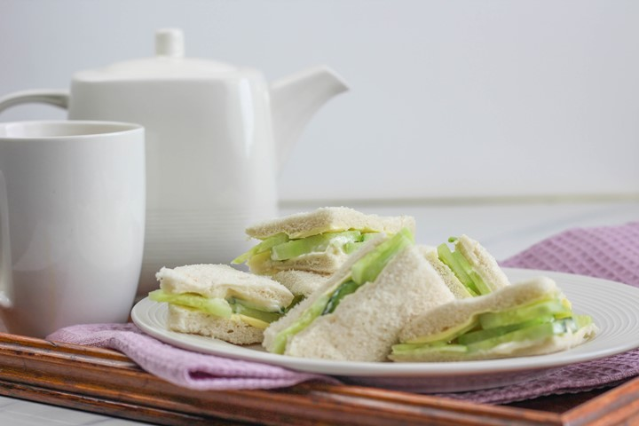 cucumber and mayo sandwich