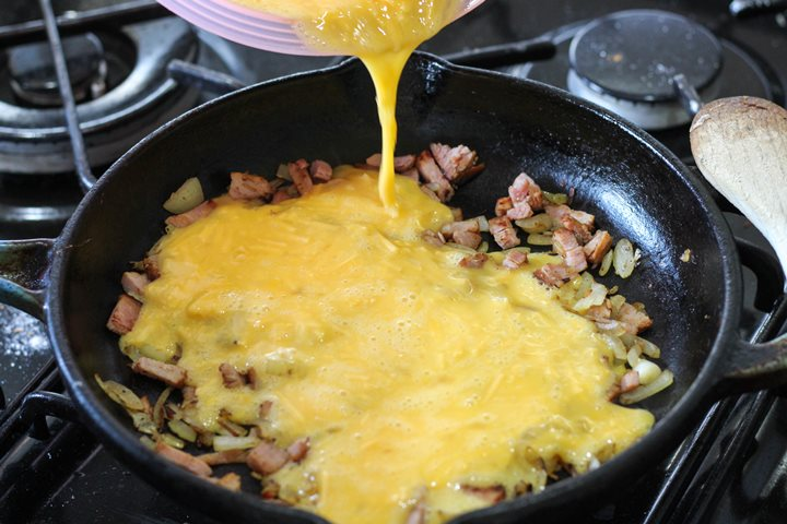 bacon egg and cheese omelette