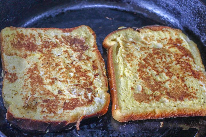 eggy toast in the pan