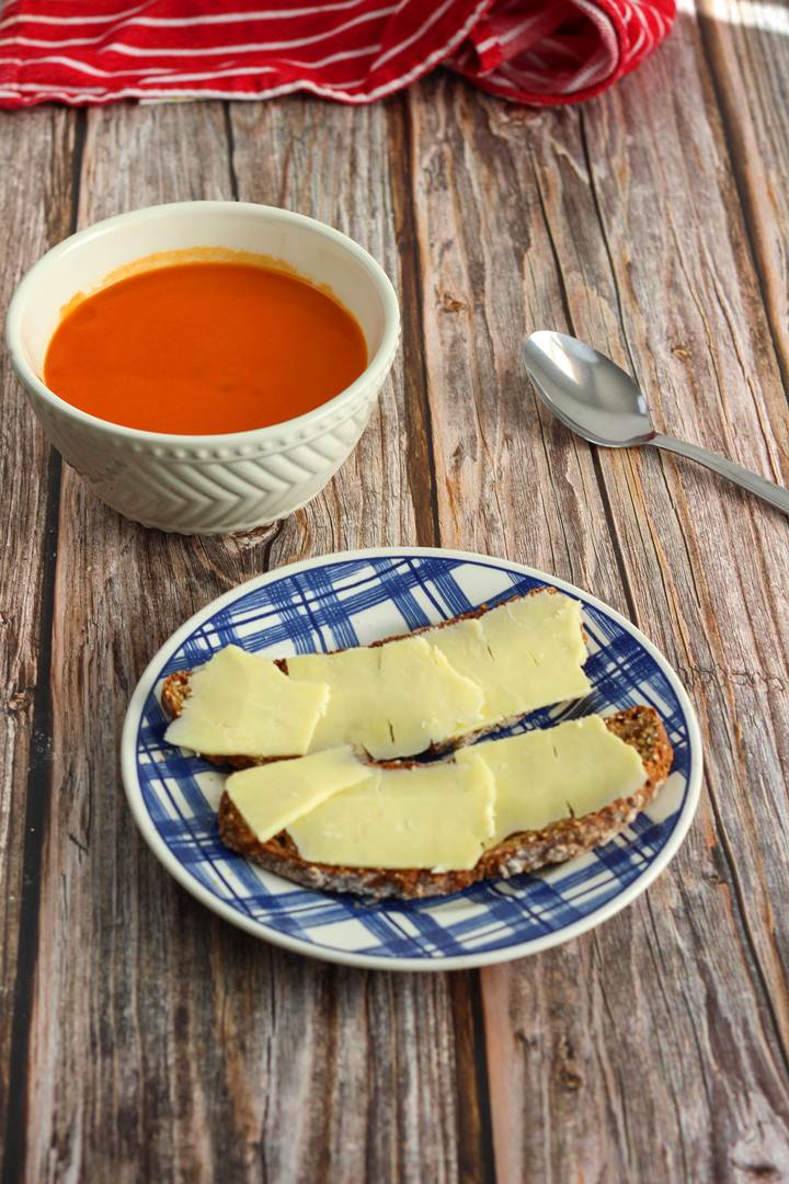 tomato soup and irish bread