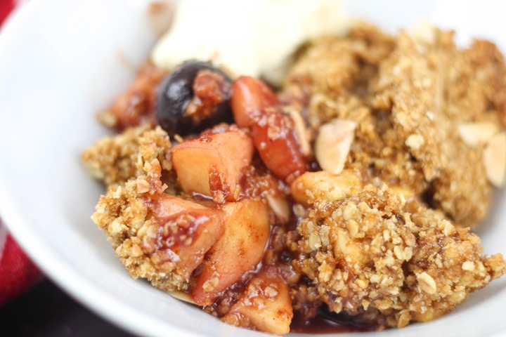 apple cherry crumble