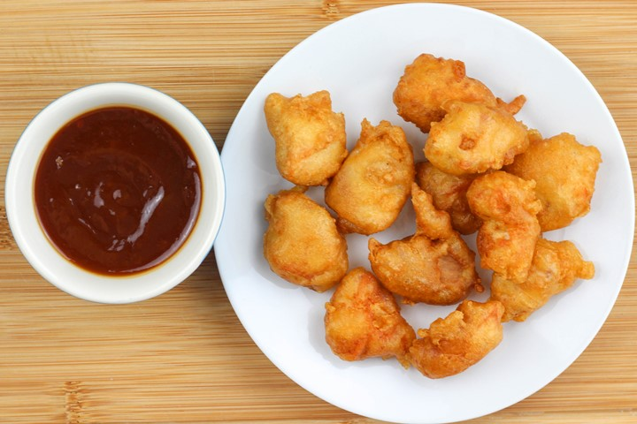 chicken balls with sweet & sour sauce