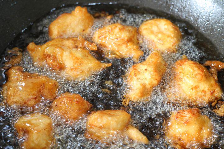 chicken balls in wok
