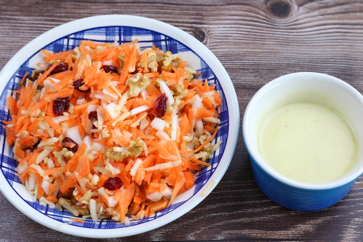 coleslaw with sweet dressing