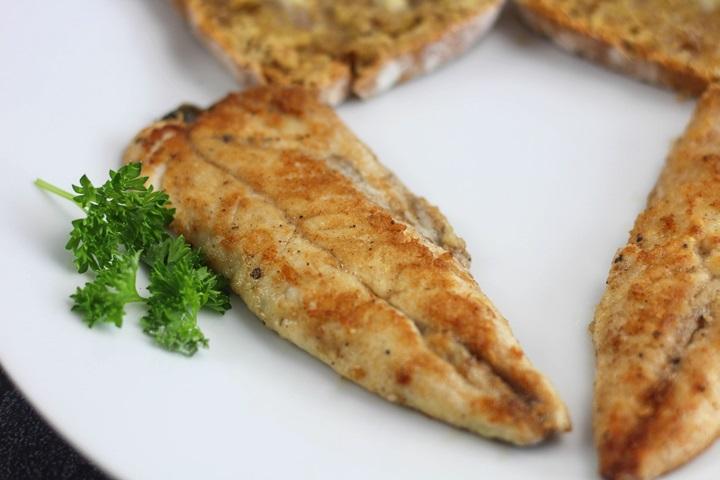 pan seared mackerel
