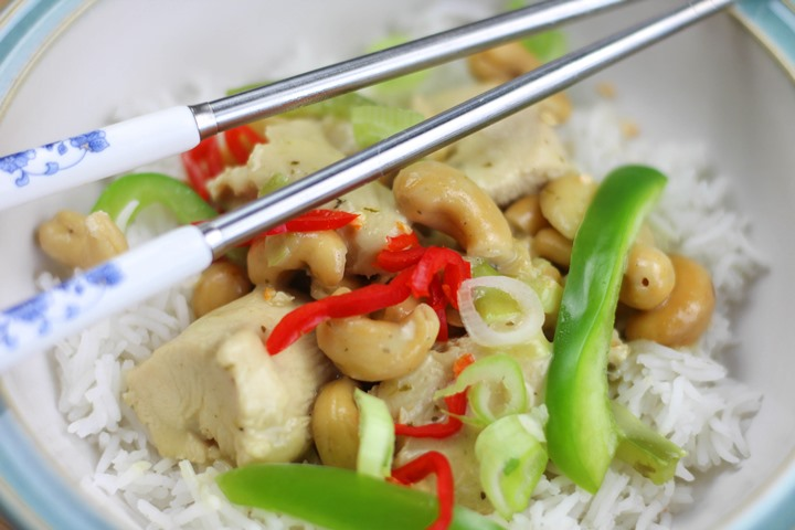 thai cashew chicken curry