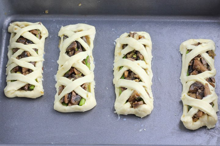 mushroom and asparagus tartlets