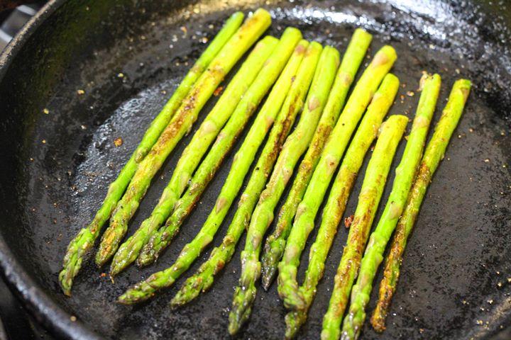 pan seared asparagus