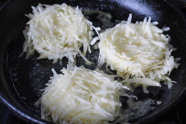 rösti in the pan