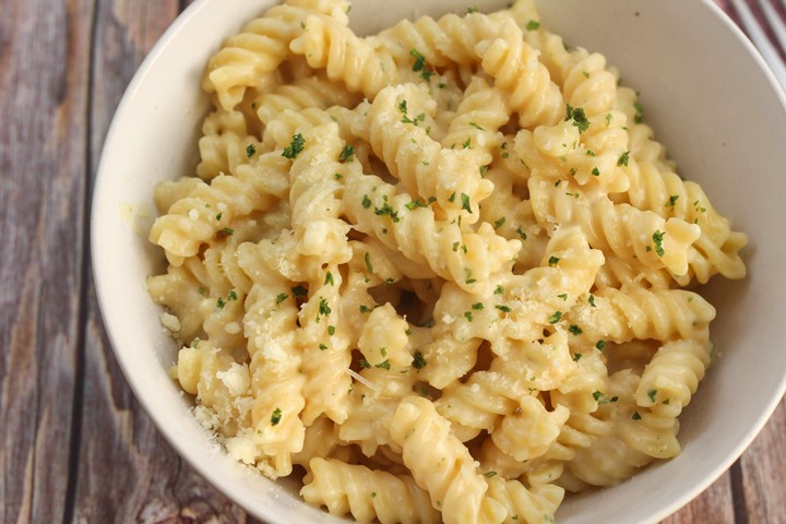 garlic cheese pasta sauce