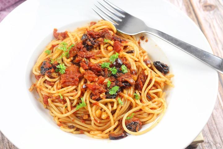 italian pasta with olives