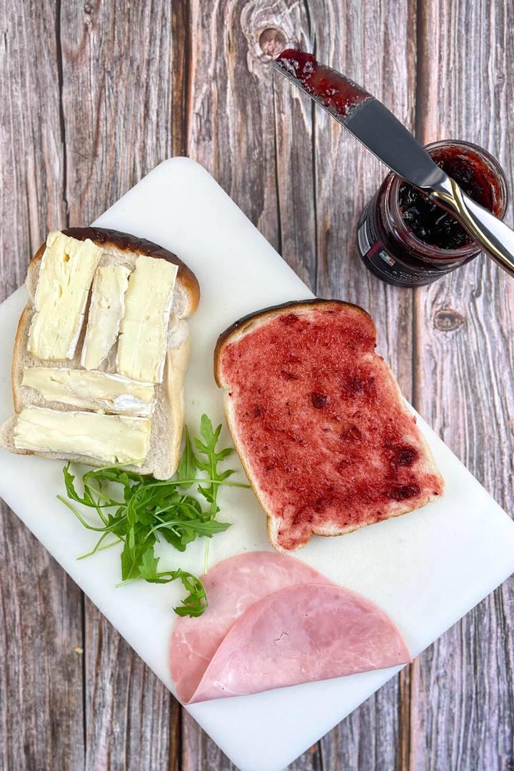 camembert cranberry toastie
