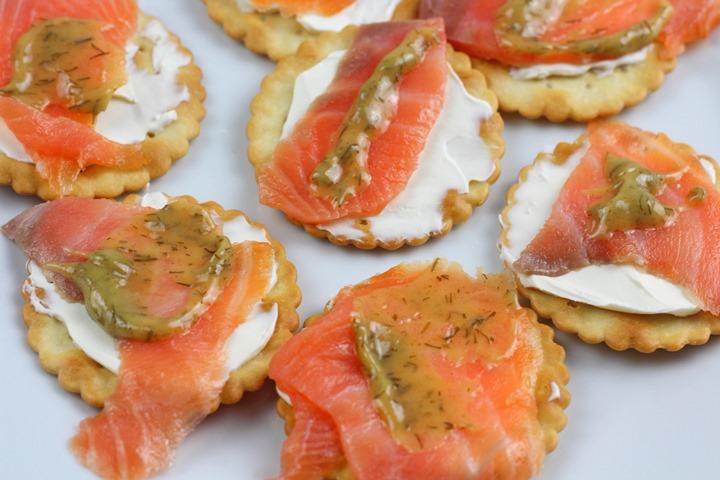 Smoked Salmon Crackers