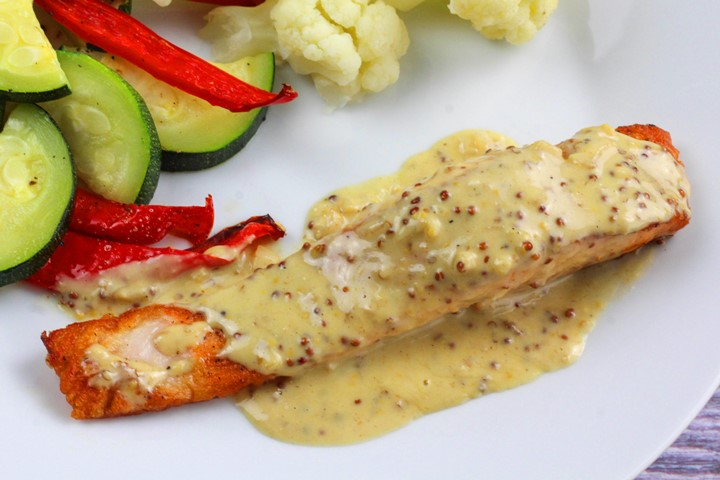 garlic cream sauce for salmon